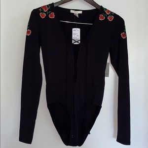 F21 EMBROIDERED FLORAL BODYSUIT WITH TASSELS NWT